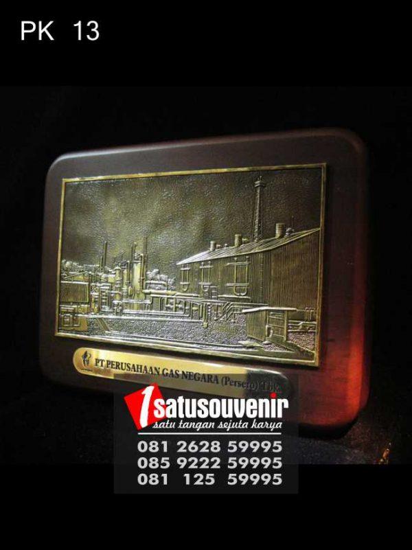Plakat Kayu Perusahaan Gas Negara