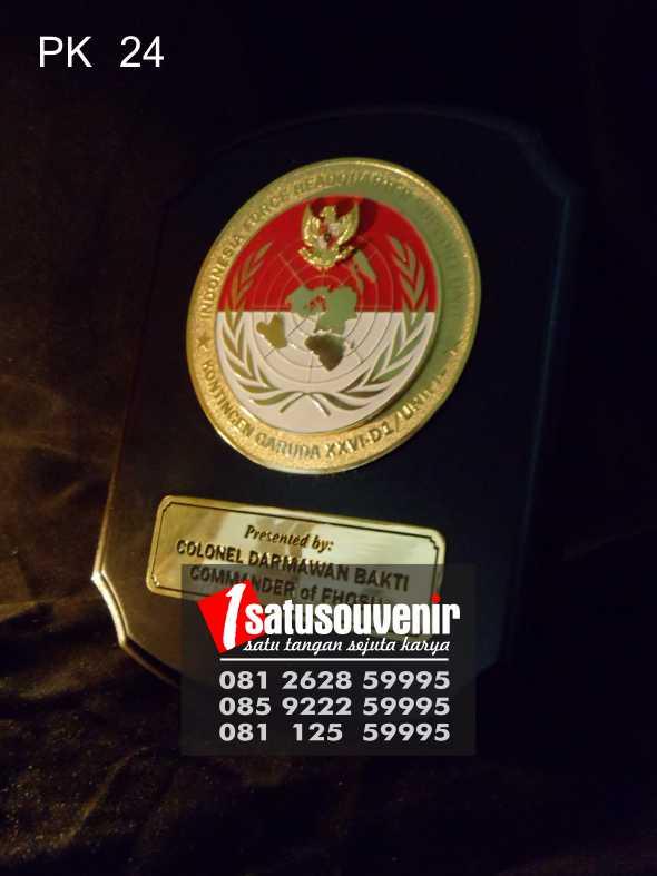 Jual Plakat Piala Kayu Murah | Plakat Kayu Penghargaan Indonesia Force HQ