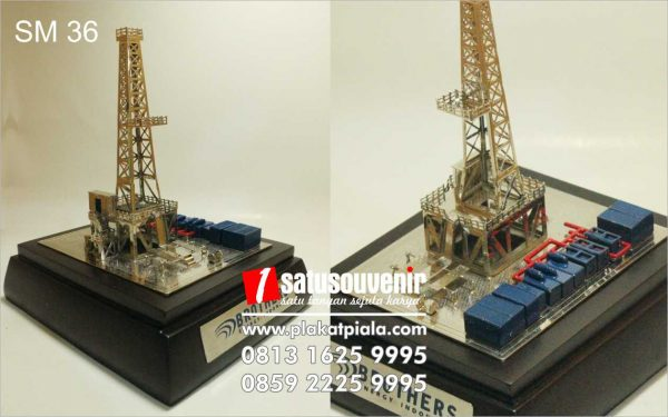 souvenir miniatur tower brothers energy
